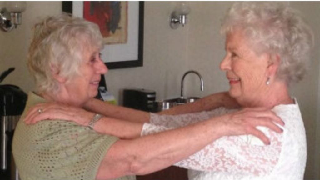 Gêmeas separadas aos cinco meses se reencontram após 78 anos ...