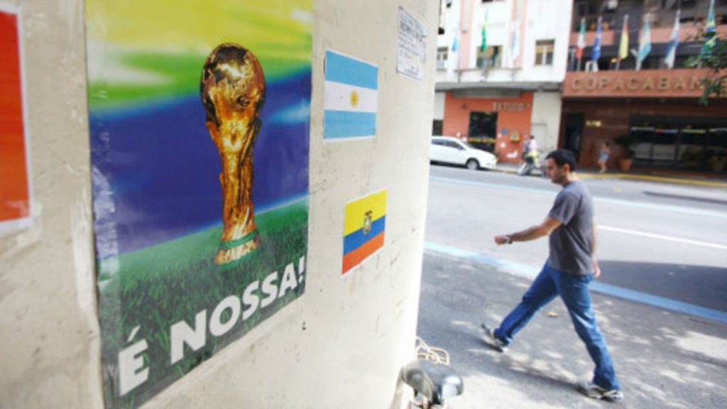 Baixa procura surpreende mas turismo espera boom na Copa - BBC ...