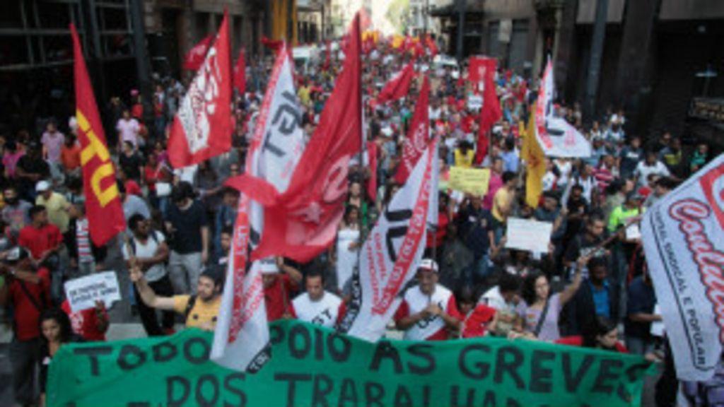 Dobradinha entre movimentos sociais e grevistas dá tom em ...