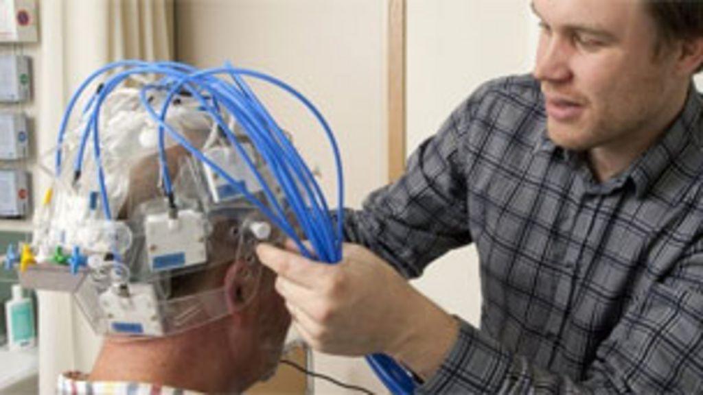Cientistas criam capacete que acelera diagnóstico de derrame ...