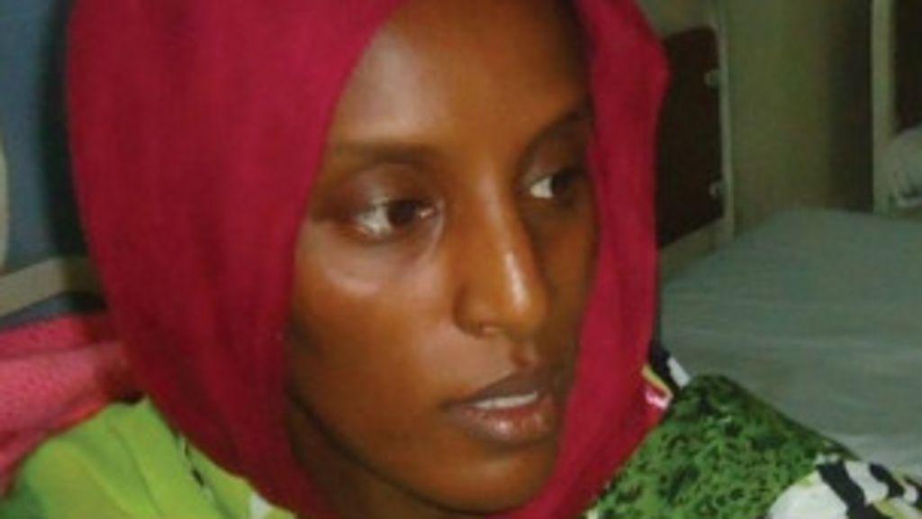 Sudanesa perdoada de pena de morte é acusada de falsificar ...