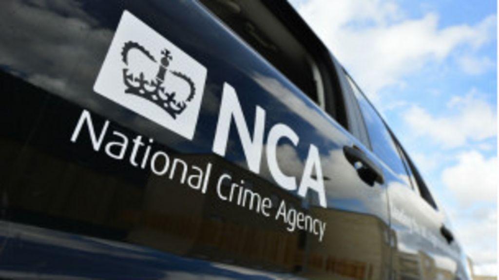 Megaoperação britânica prende 660 suspeitos de pedofilia - BBC ...