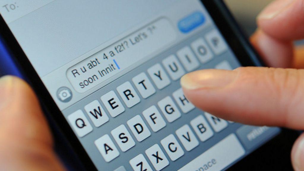 Britânica fica em choque ao 'receber SMS' de avó morta - BBC Brasil