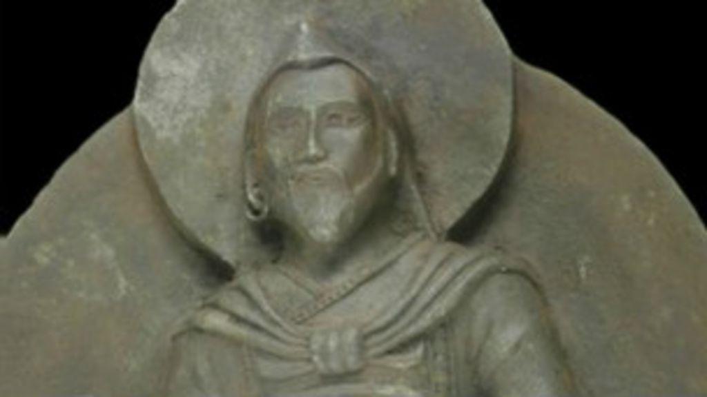Estátua descoberta por nazistas é feita de meteorito - BBC Brasil