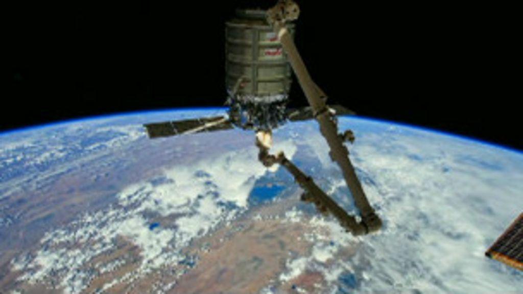 Vídeo mostra volta ao redor da Terra em 1 min - BBC Brasil