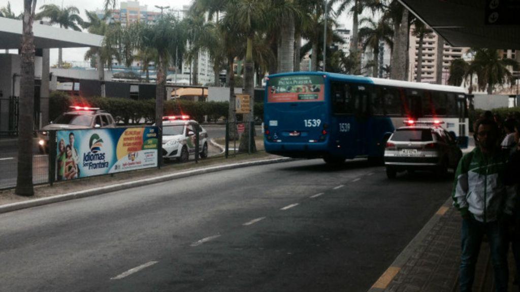 Violência leva medo a usuários de coletivos de Florianópolis em dia ...