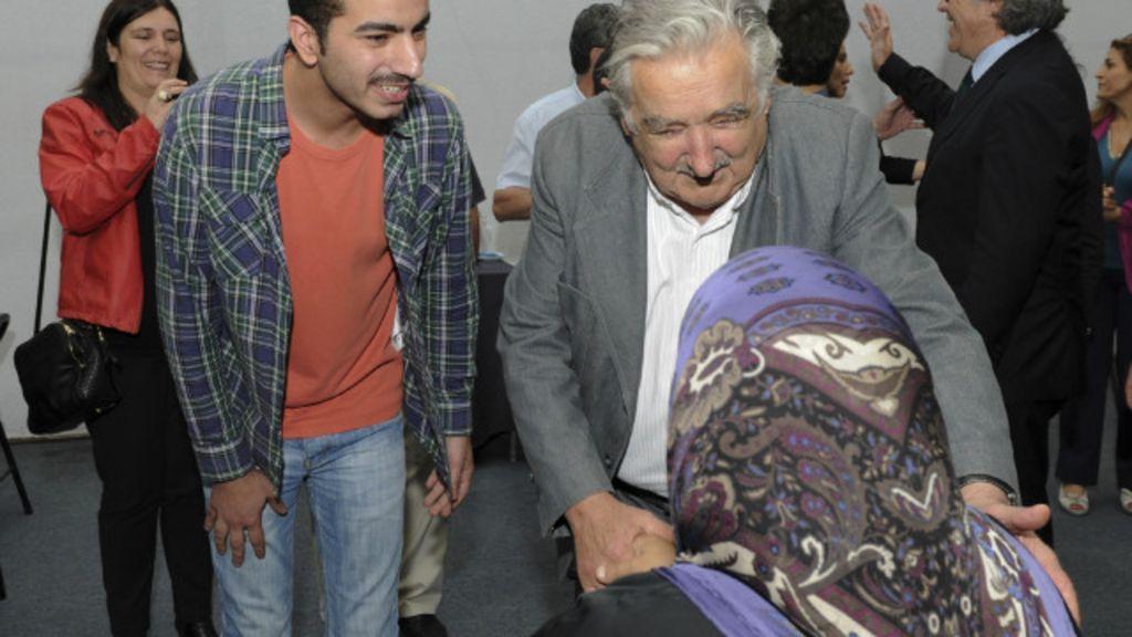 ' Estilo Mujica' marca campanhas na eleição presidencial no Uruguai ...