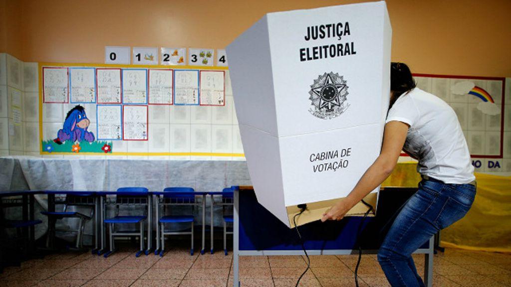 Trinta anos após fim da ditadura, Brasil tem 'democracia imperfeita ...