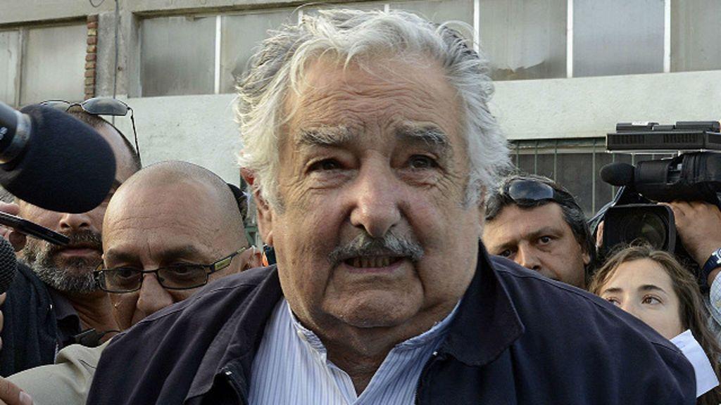 Governos há muito tempo no poder se afastam do povo, diz Mujica ...
