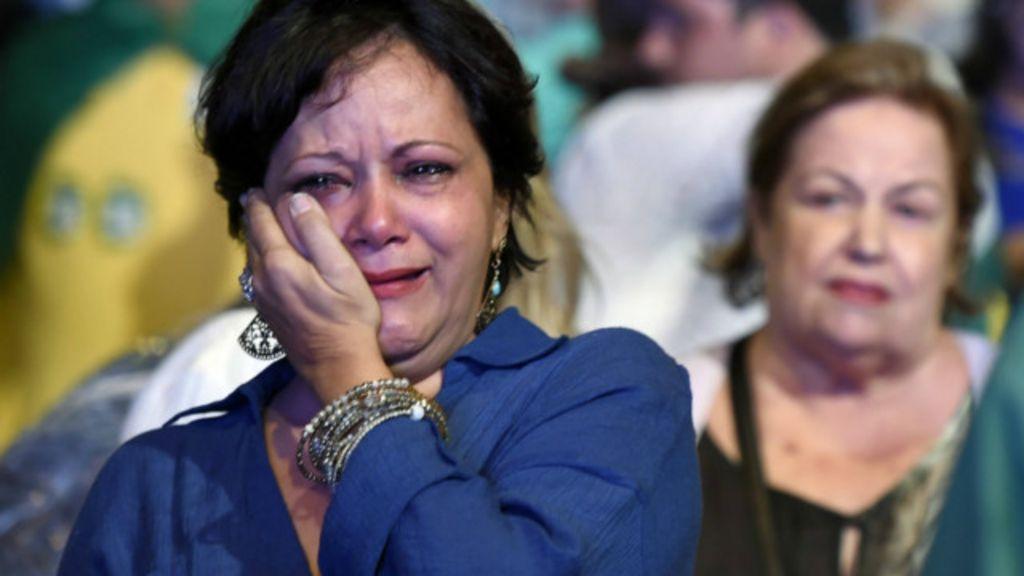 Em Belo Horizonte, eleitores de Aécio vão da expectativa às lágrimas