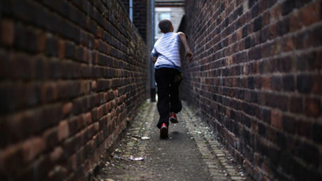 Crise leva 2,6 milhões de crianças à pobreza nos países ricos - BBC ...