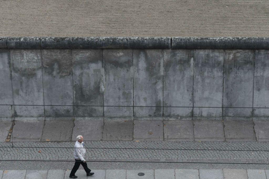 Exposição, jogo e aplicativo mantêm viva memória do muro de Berlim
