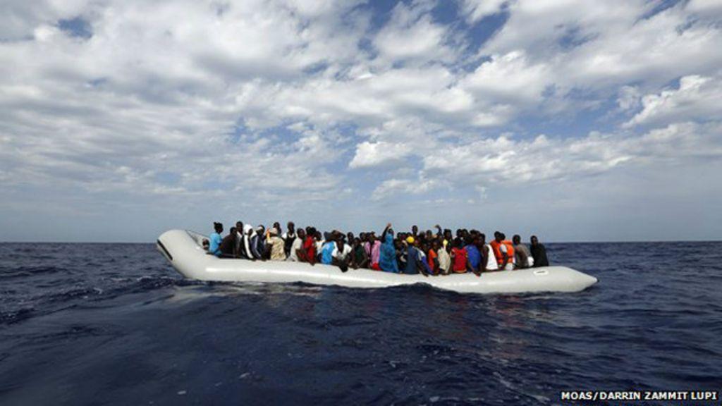 Por conta própria, família salva 3 mil imigrantes no mar em dois meses