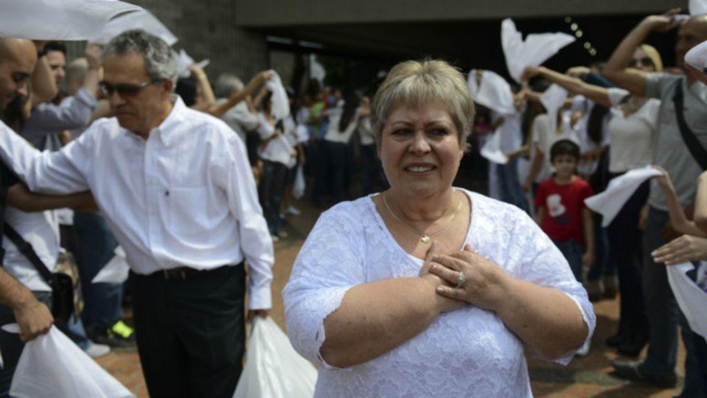 Irmã de Pablo Escobar busca redenção deixando pedidos de ...