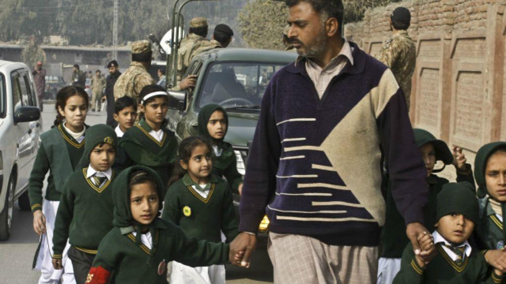 Massacre no Paquistão: aluna sobrevive ao se fingir de morta - BBC ...