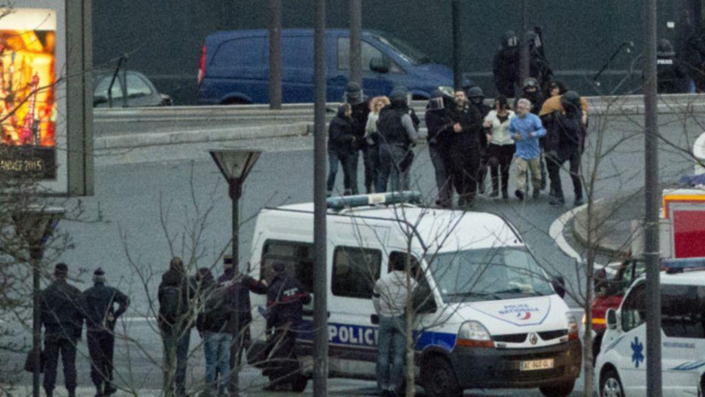 Polícia francesa mata irmãos suspeitos e sequestrador; quatro ...