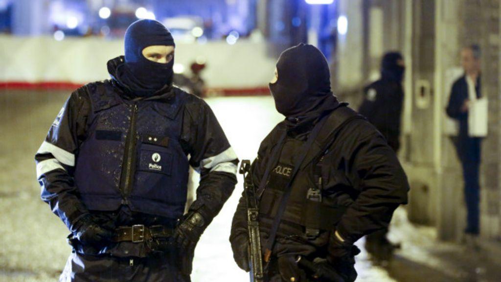 Ação antiterror termina com 2 mortos na Bélgica - BBC Brasil