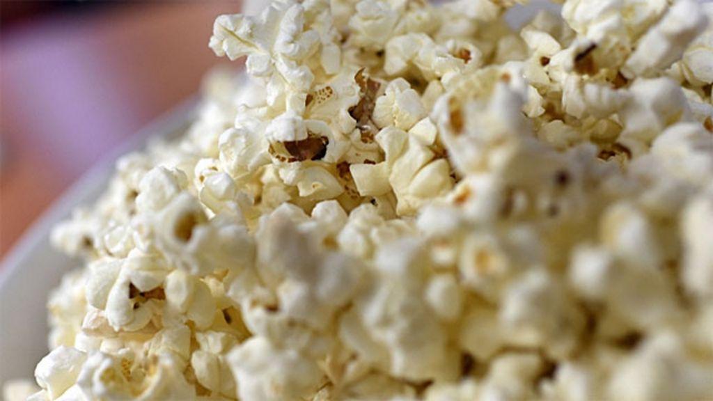 Pesquisadores revelam receita da pipoca perfeita - BBC Brasil