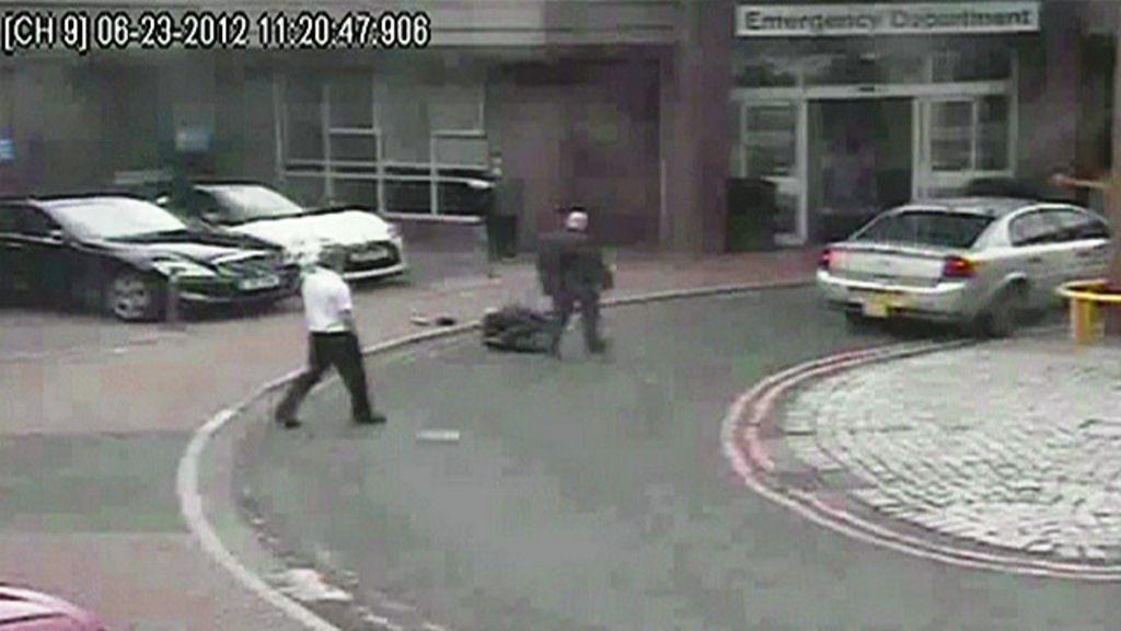 CCTV flagra negligência de médico e morte em frente a hospital ...