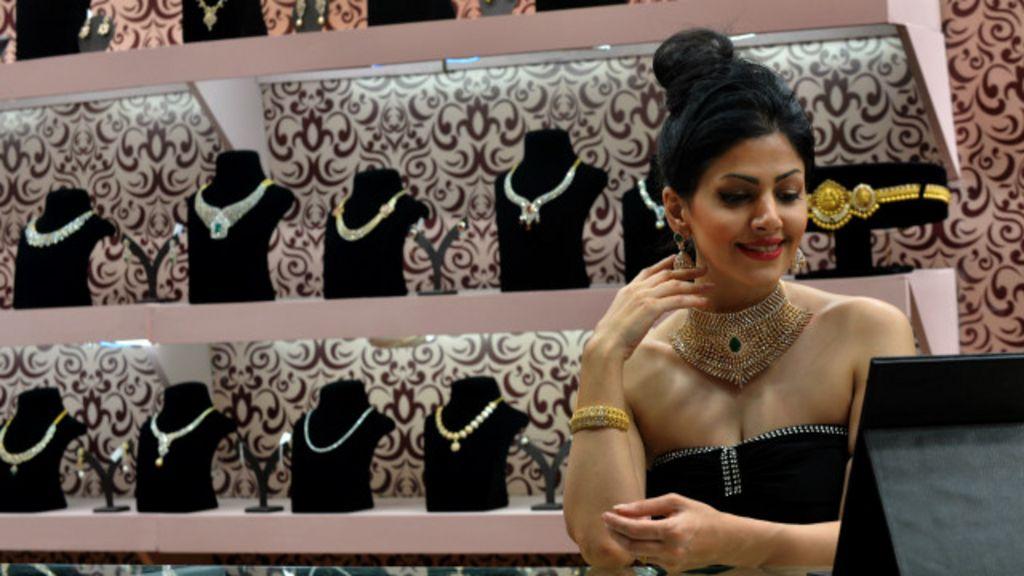 O mundo glamouroso dos novos super-ricos da Índia - BBC Brasil