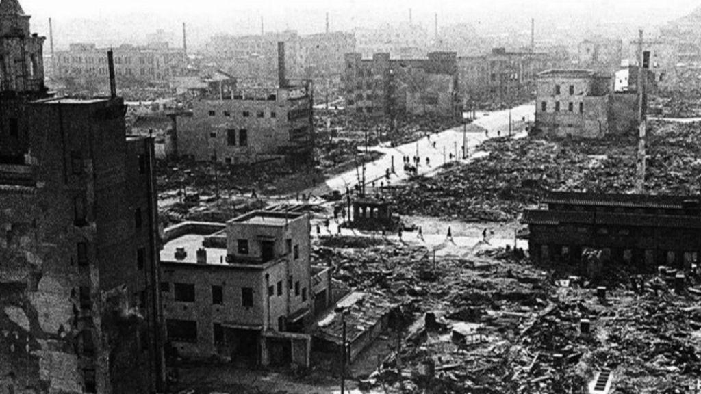 Há 70 anos, bombardeio matava mais de 100 mil em Tóquio ...