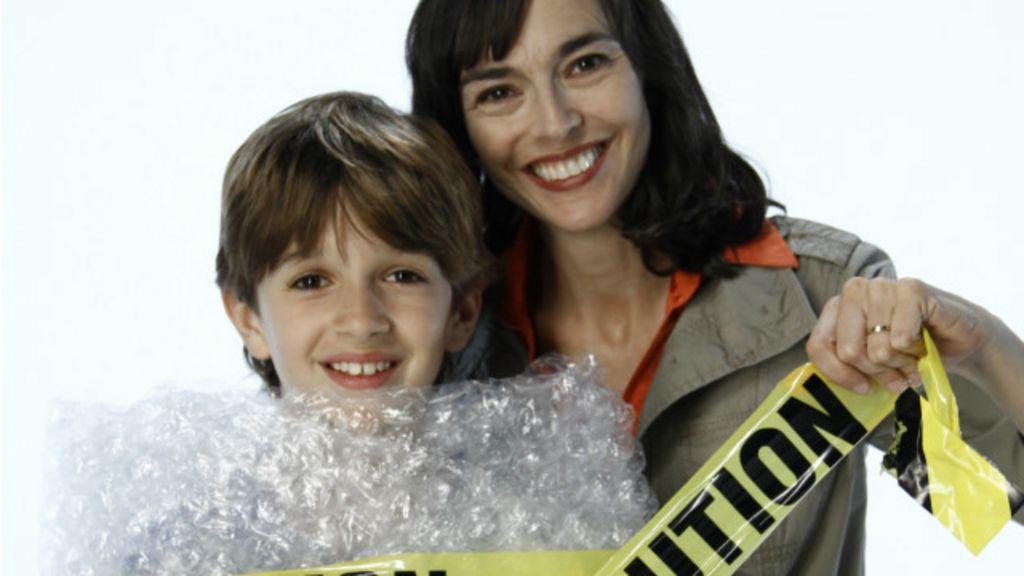 'Pior mãe do mundo' vira conselheira de pais superprotetores - BBC ...
