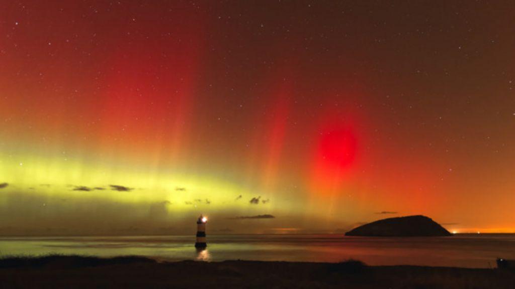 O espetáculo de luzes e estrelas no céu - BBC Brasil