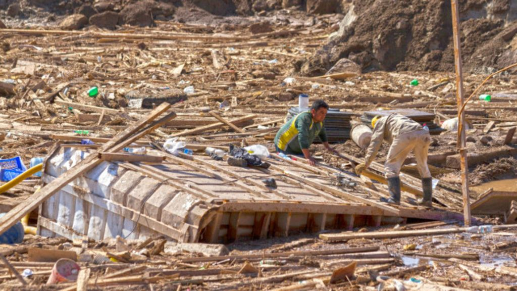 Chile teme aumento no número de mortos após enchentes - BBC ...