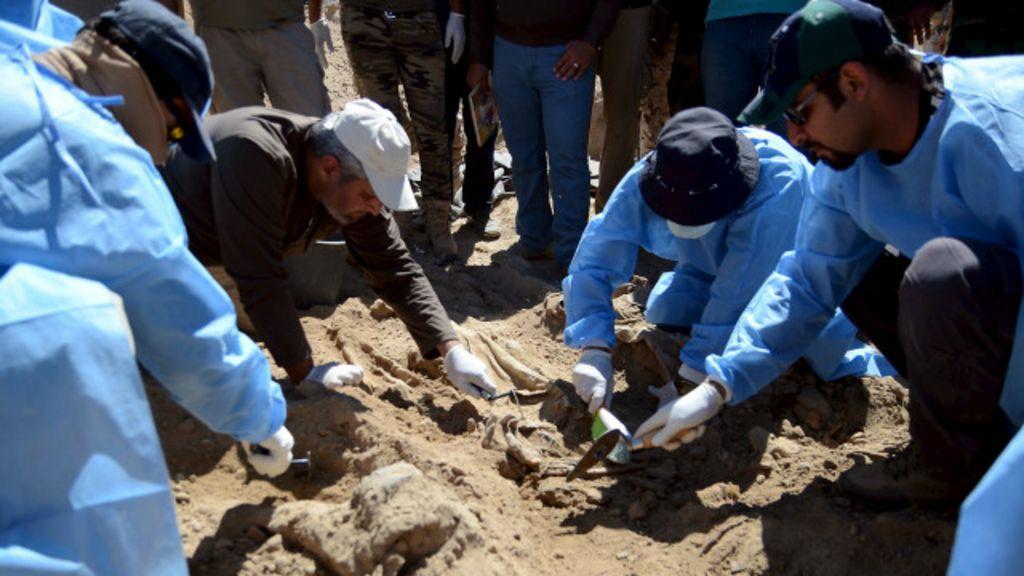No Iraque, valas com até 1,7 mil corpos mostram horror do 'Estado ...