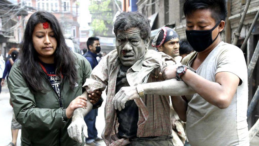 Pior terremoto no Nepal em 81 anos deixa milhares de mortos ...