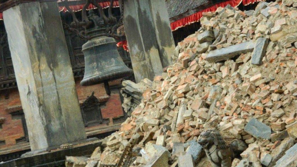 Em imagens: destruição e buscas por sobreviventes após terremoto ...