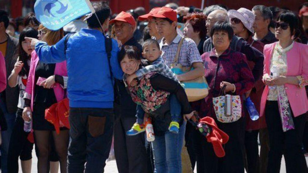 Guia chinesa é demitida após ameaçar turistas que compravam pouco