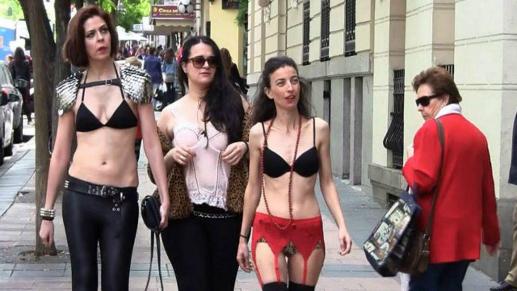 Espanholas saem às ruas de lingerie em protesto contra ...