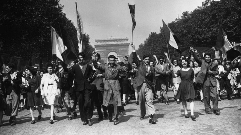 Fotos históricas: multidões tomam as ruas com o fim da 2ª Guerra ...