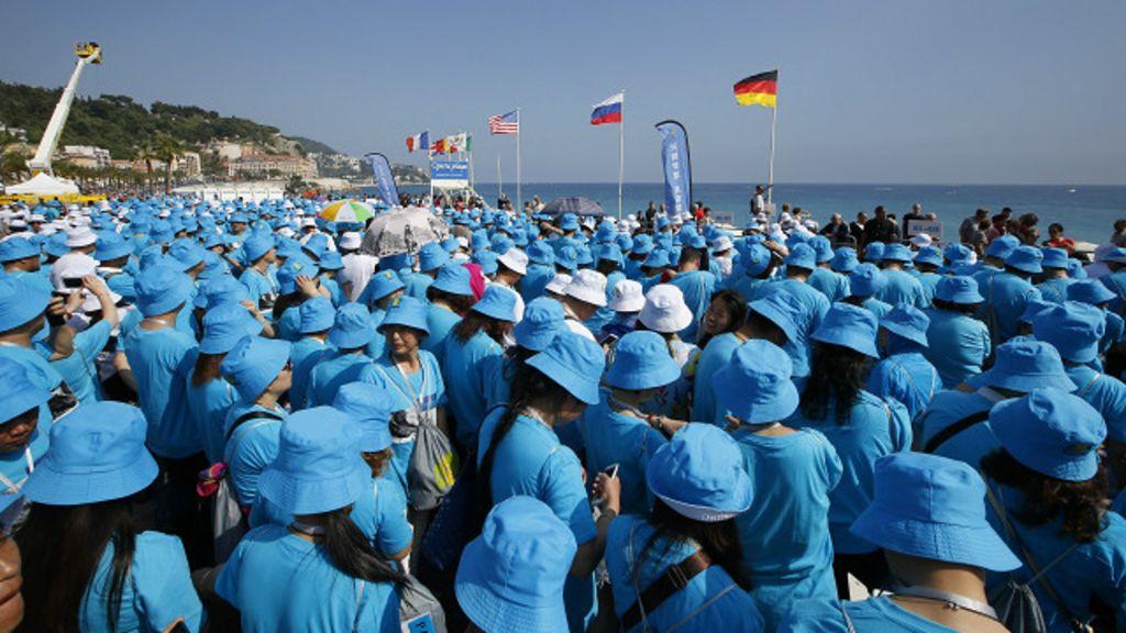 Bilionário chinês paga viagem de férias à França a mais de 6 mil ...