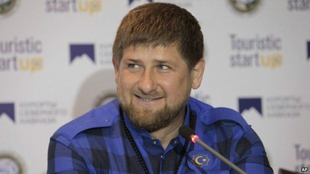 Líder checheno defende proibição de WhatsApp para esposas após ...