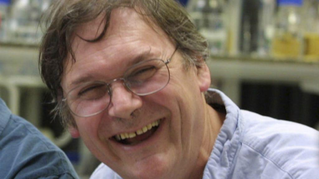 Prêmio Nobel renuncia a cargo em universidade britânica após ...