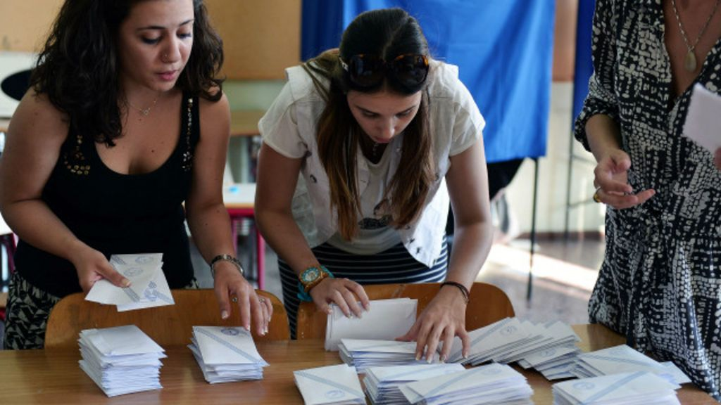 """Plebiscito grego: voto jovem aproxima país de """"não"""" a credores ..."""