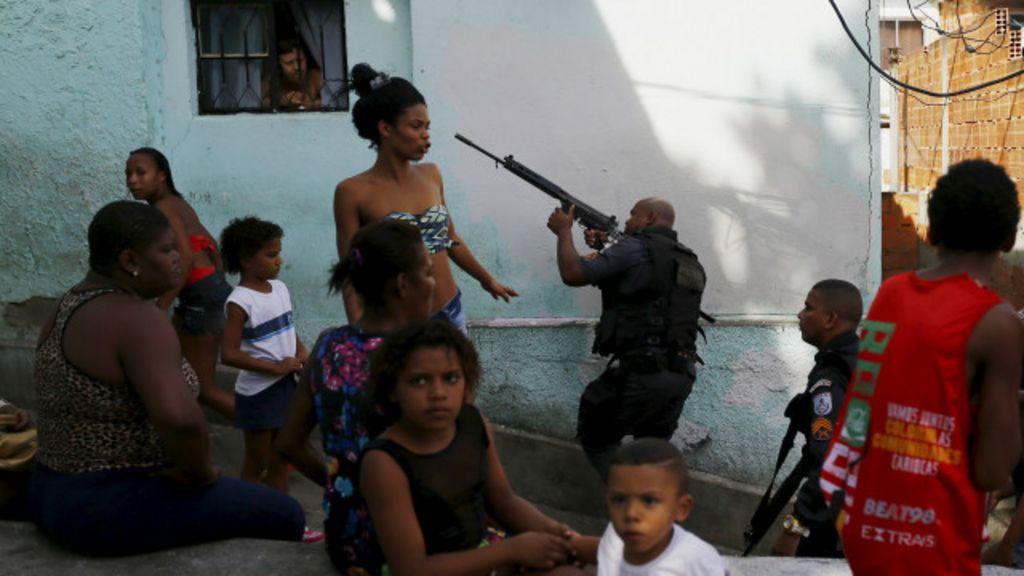 PM do Rio aposta em Whatsapp e Facebook para denúncias e ...