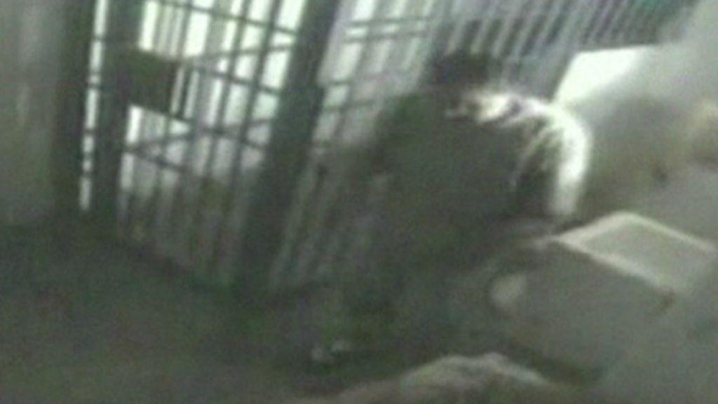 Câmera que vigiava cela mostra momento da fuga de 'El Chapo ...