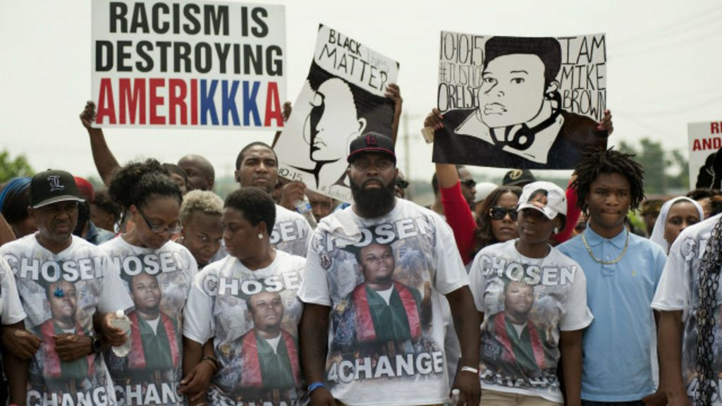 Ferguson faz silêncio no aniversário da morte de jovem negro - BBC ...