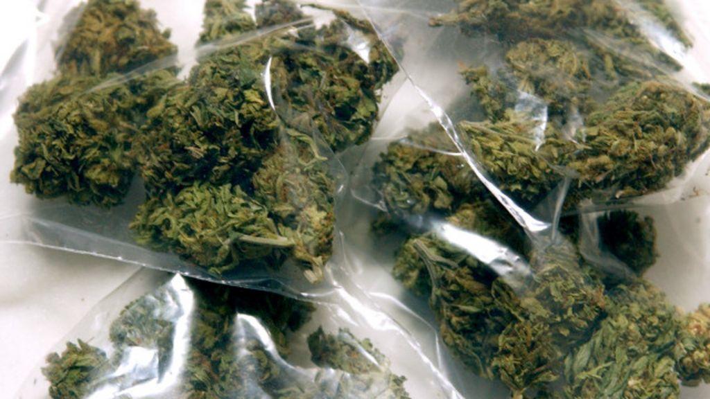 STF julga porte de drogas; veja como são leis no mundo - BBC Brasil