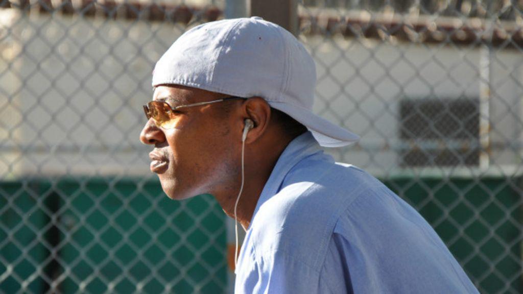 Condenado por assassinato nos EUA ensina a investir na bolsa da ...