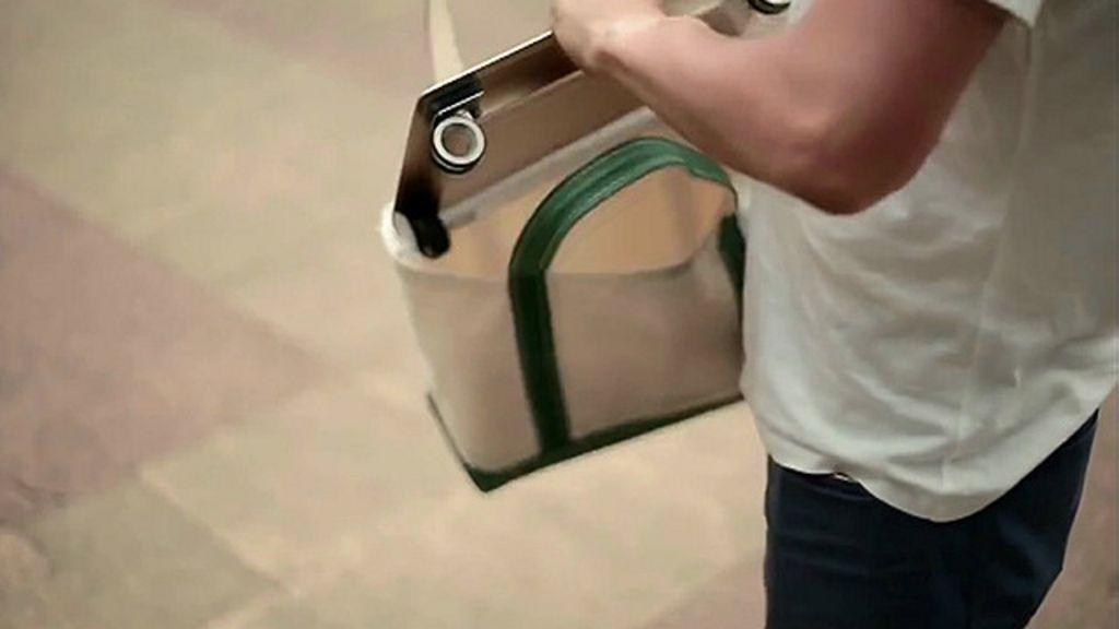 Inventan automóvil que podrás llevar en tu mochila