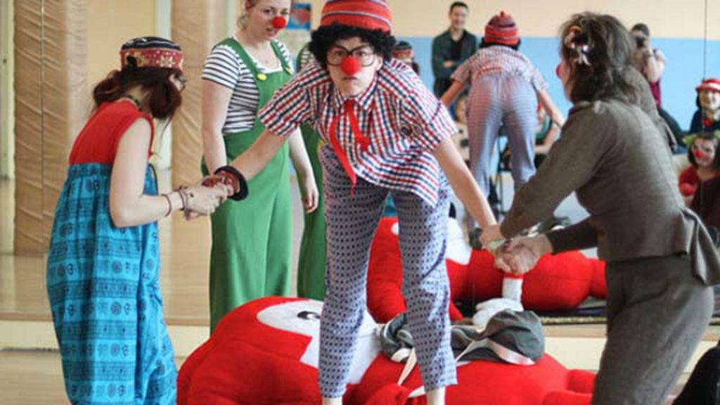 Lei obriga presença de palhaços em hospitais infantis em Buenos ...