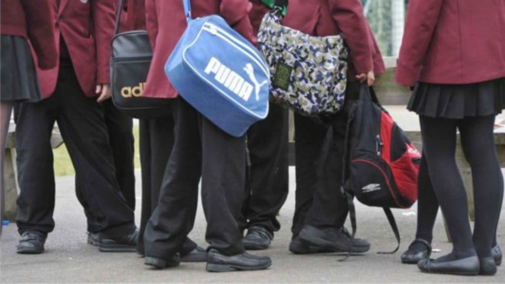 Mais de 5 mil 'crimes sexuais' são reportados em escolas britânicas ...