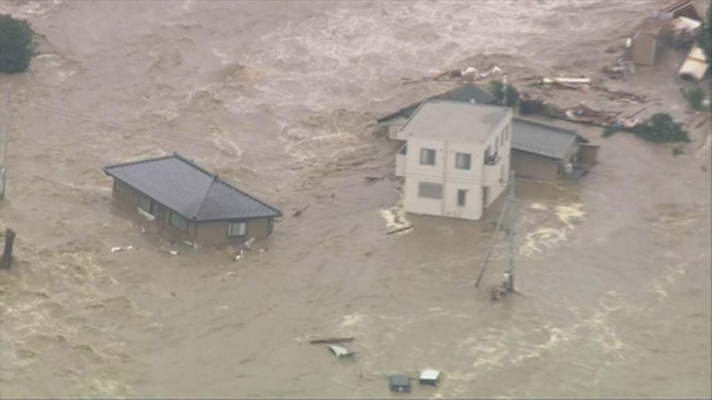 Casa é arrastada por enchente no Japão após passagem de tufão ...