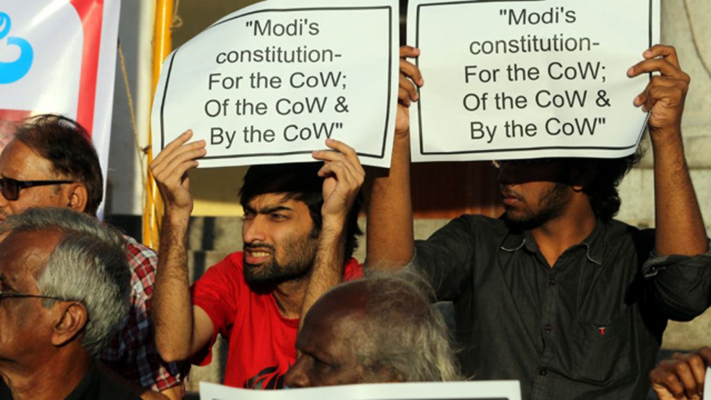 رئيس حكومة الهند مودي يدلي بدلوه في حادث قتل مسلم لتناوله لحم البقر