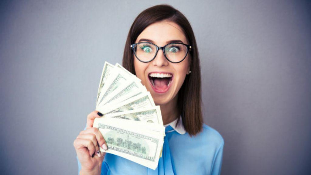 Dinheiro compra felicidade? Novo prêmio Nobel de economia diz ...