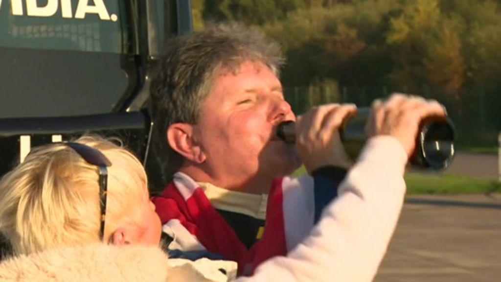 Piloto cego bate recorde dirigindo caminhão a 200 km/h - BBC Brasil